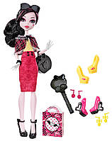 Monster High Draculaura Doll & Shoe Collection Кукла Дракулаура из серии Коллекция кукол с обувью