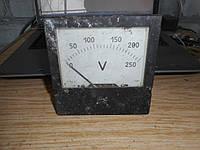 Вольтметр щитовой М381 на 250вольт