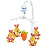 Музыкальный механический мобиль с мягкими игрушками Baby Mix, Кролики