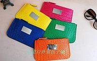Яркий клатч-кошелек от Мango MNG