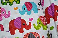 """Польская хлопковая ткань """"слоны красные, голубые, зеленые на белом"""""""
