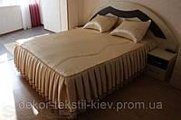 Покрывало на кровать (двухспальное), атласное.