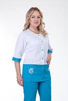 Медицинский женский костюм с вставками ( белый с синим ) К-3227