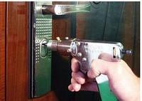 Помогите вскрыть, открыть (взломать) металлическую или деревянную дверь в Днепропетровске