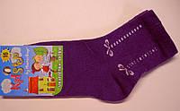 Однотонные детские носки фиолетового цвета с декоративным узором