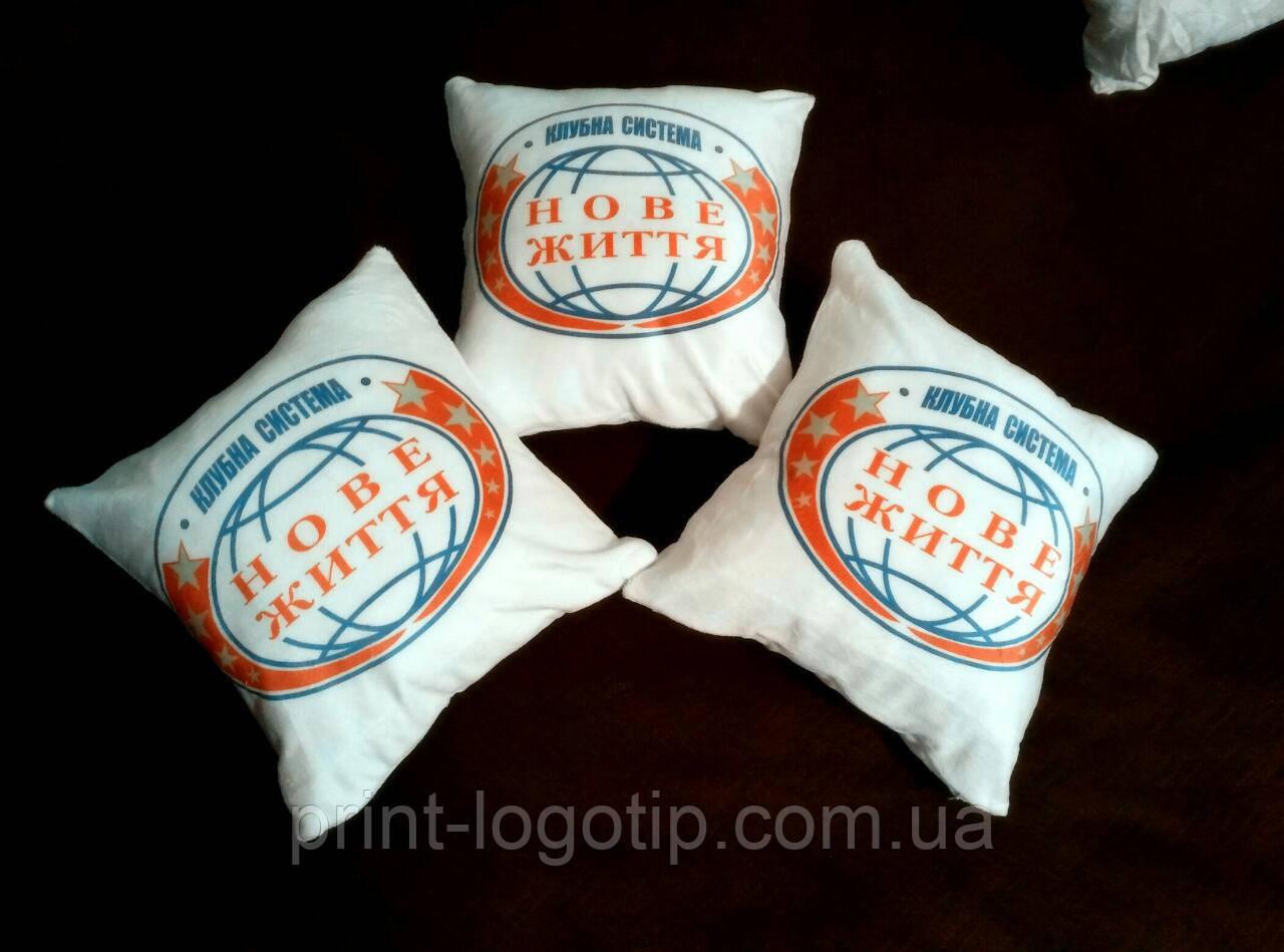 Подушки с фото и логотипом