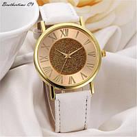 Стильные  женские часы  в классическом стиле, белые
