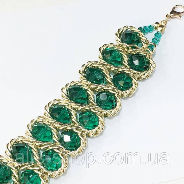 Браслет зеленый горный хрусталь переплетенный золотой цепочкой