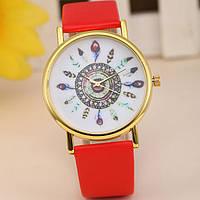 Оригинальные модные  женские часы с красным  ремешком