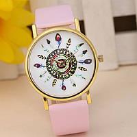 Оригинальные модные  женские часы с светло-розовым ремешком