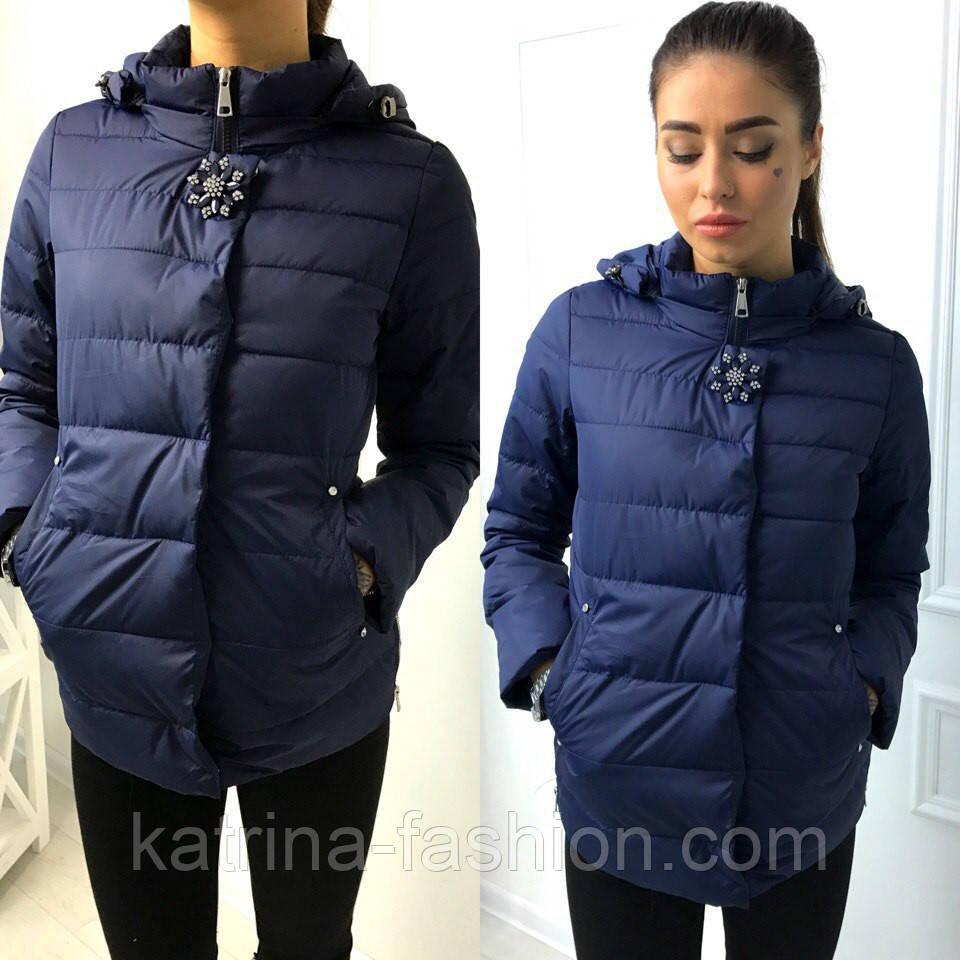 Женская стильная куртка весна осень с капюшоном и брошью (3 цвета) - KATRINA 7bd6e794578