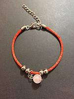 Браслет красная нить оберег от сглаза с бусиной из камня Розовый кварц