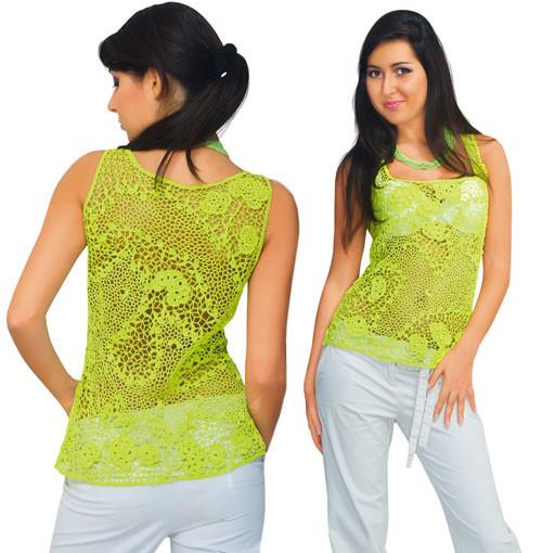 Блуза зеленая с ввязанными плотными мотивами