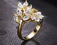 Позолоченное кольцо с цирконами р 18 код 1048