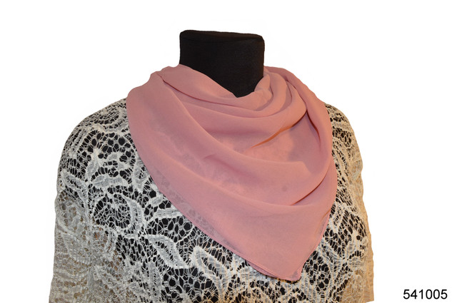 Однотонный бледно-розовый легкий шифоновый платок 1