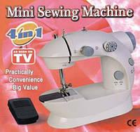 Мини швейная машина 4в1 Mini Sewing Machine с адаптером для сети 220 V