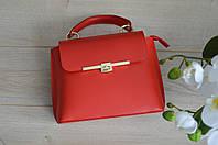 Красная кожаная сумка из Италии