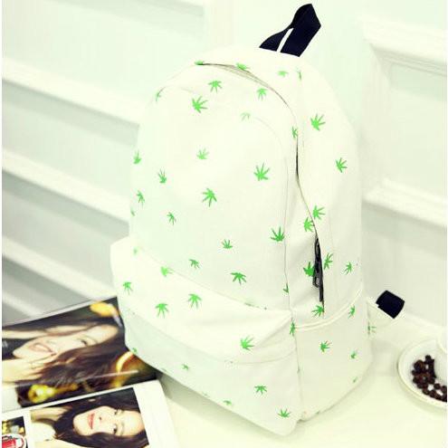 Молодежный рюкзак белого цвета