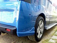 Накладка на задний бампер Opel Vivaro, Клыки для Опель Виваро