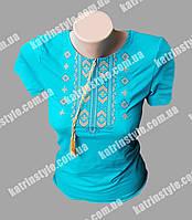 Женская футболка-вышиванка с геометрическим узором
