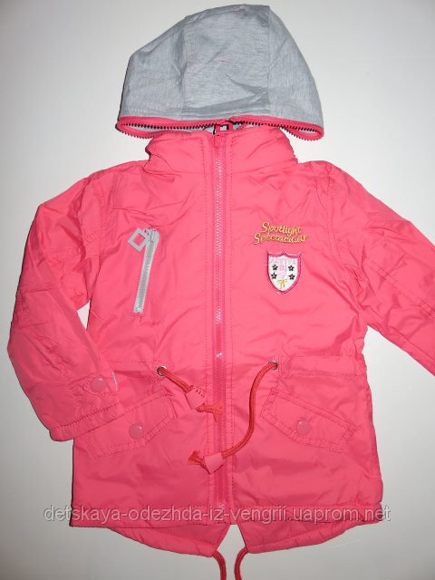 Верхняя одежда и жилетки для девочек