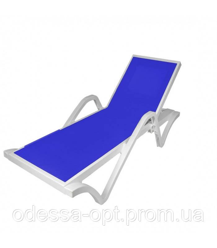 Шезлонг пластиковый синий