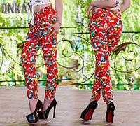 Яркие женские штаны в цветочный принт
