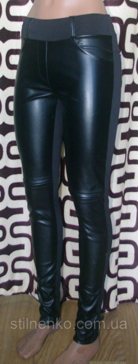 Модные повседневные леггинсы комбинированные с кожей и гипюром цвет черный