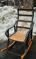 Кресло качалка плетеная с черным ротангом