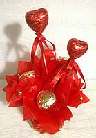 """Подарок ко Дню Влюбленных """"Сладкая валентинка"""" композиция из конфет"""