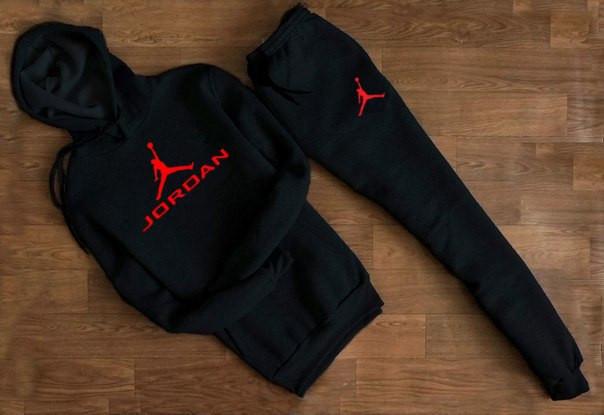 Мужской спортивный костюм Jordan чёрный с капюшоном (красный логотип)  (Реплика) e221a9b56f9