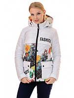 Модная куртка женская белая