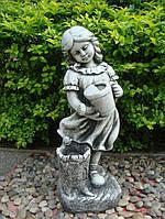 Садова скульптура Дівчинка поливає 24.5x23.5x62.5 cm