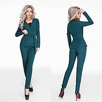 Стильный зеленый  брючный костюм в деловом стиле, с пояском. Арт-9799/47