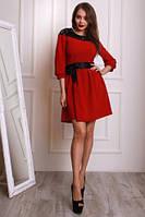 Стильное бордовое платье под пояс  из костюмного крепа с ажурной кокеткой.