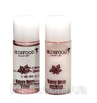 Тоник и эмульсия с гиалуроновой кислотой и ягодными экстрактами SKINFOOD Watery Berry 7+7 мл