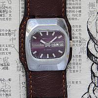 Слава автоподзавод механические часы СССР 25 съезд КПСС 1976 год