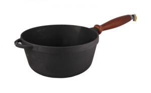 Кастрюля  чугунная  с деревянной ручкой, (сотейник) без крышки. Объем 2,0 литра.