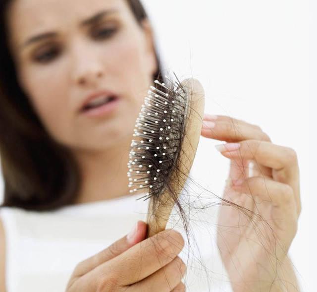 У младенца выпадают волосы на темечке причины