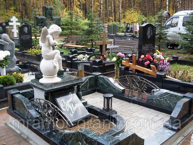 Надгробная скульптура из мрамора С - 175