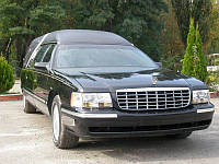 Катафалк Cadillac.