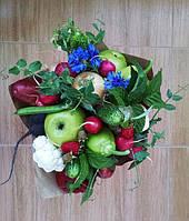 Фруктово-овощной букет с ростками горошка