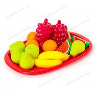 Поднос с игрушечными фруктами