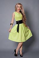Платье салатового цвета с поясом из кожзама