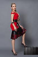 Красное платье с кожаной перфорацией