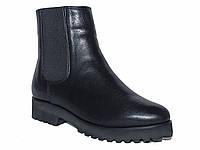 Зимние женские кожаные ботинки со вставкой-резинкой