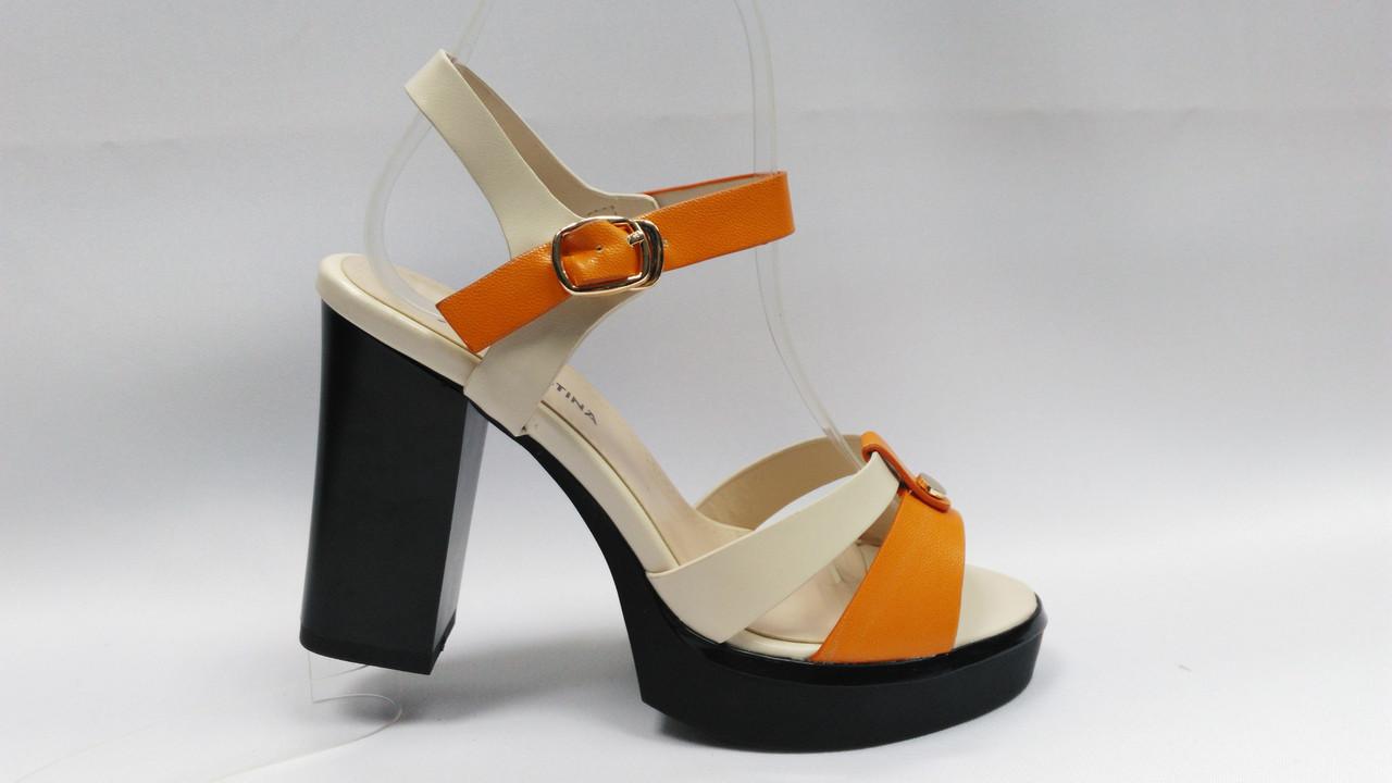 Бежевые босоножки на устойчивом каблуке и платформе. Маленькие (33-35)  и стандартные (36-40) размеры..