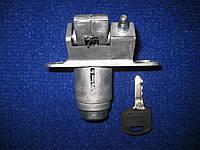 Замок багажника в сборе ключ пластик Таврия ЗАЗ 1102