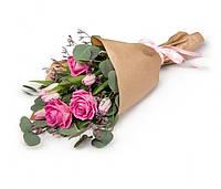 Букет из роз и тюльпанов в Крафте
