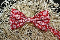 Галстук бабочка ручной работы - Snowflakes Red